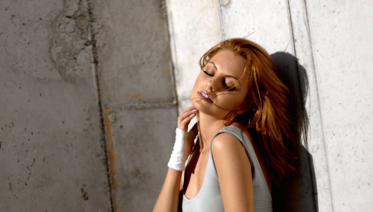 Alexandra Stan – Dance [Official Video]