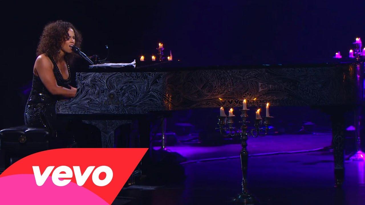 Alicia Keys – A Woman's Worth (Piano & I: AOL Sessions +1)