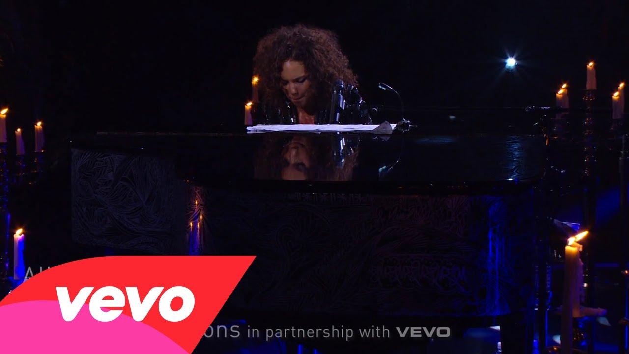 Alicia Keys – Butterflyz (Piano & I: AOL Sessions +1)