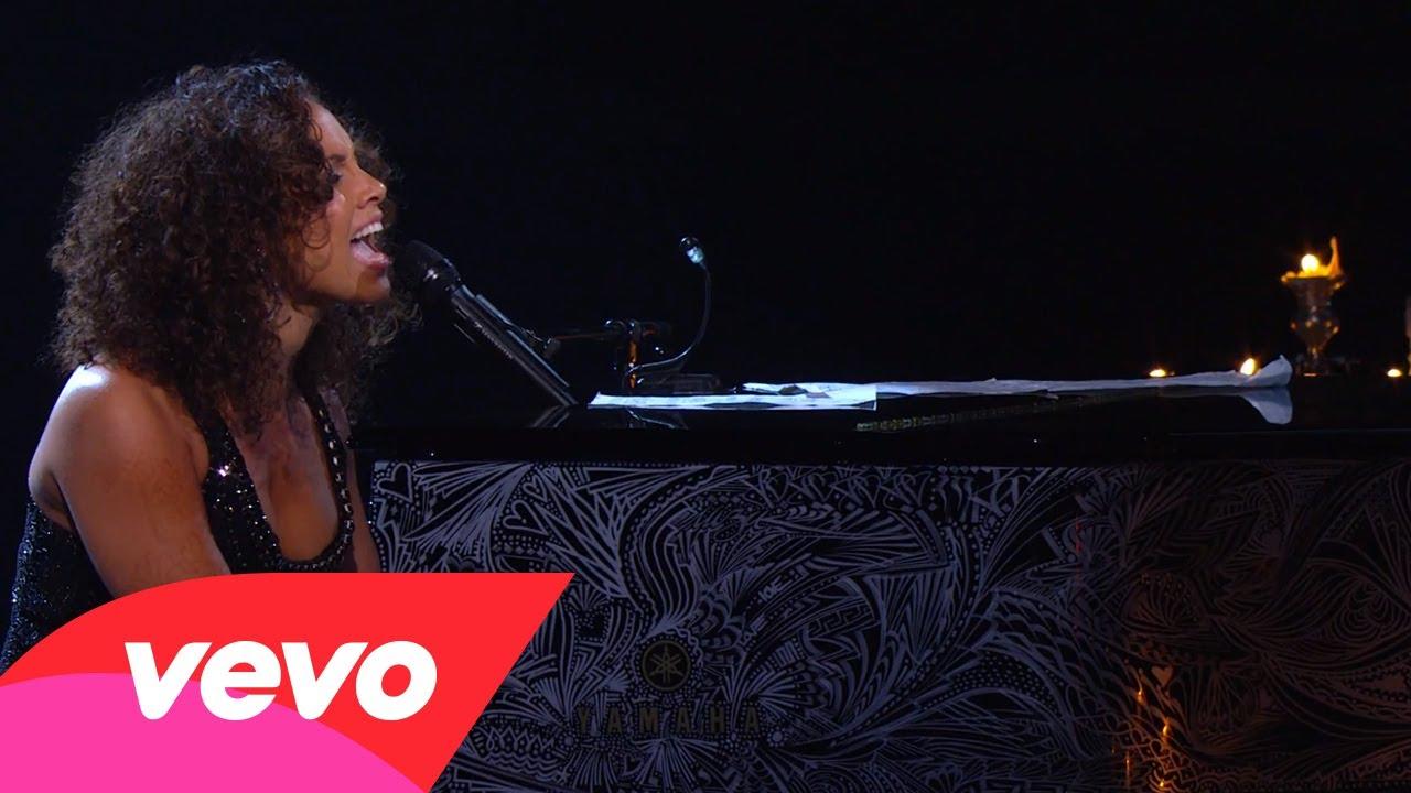 Alicia Keys – Caged Bird (Piano & I: AOL Sessions +1)