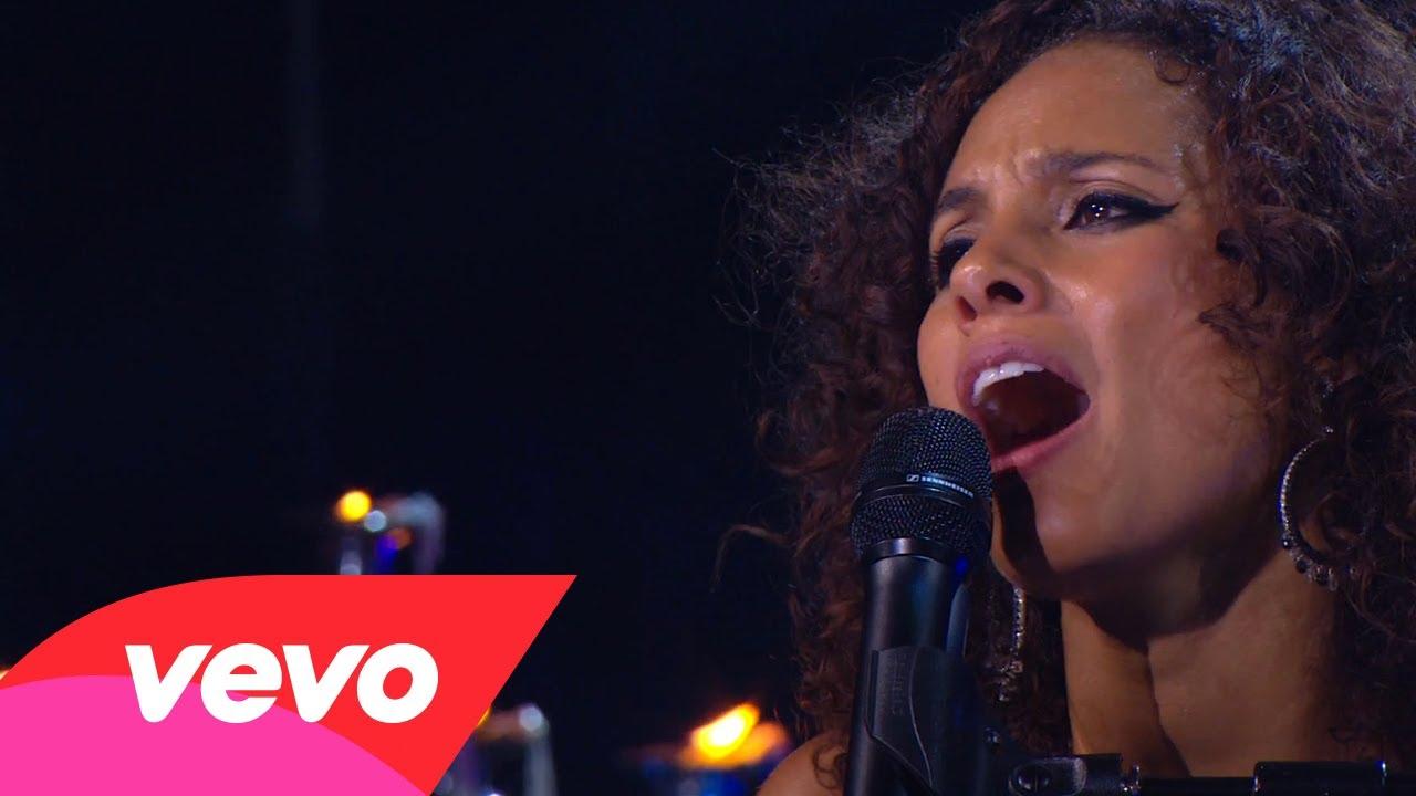 Alicia Keys – No One (Piano & I: AOL Sessions +1)