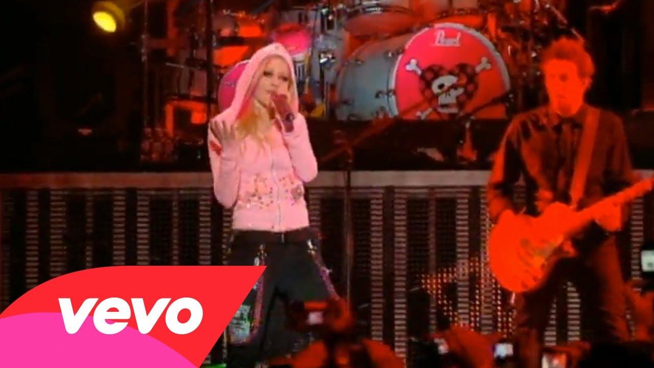 Avril Lavigne – Sk8er Boi (Live In Toronto)