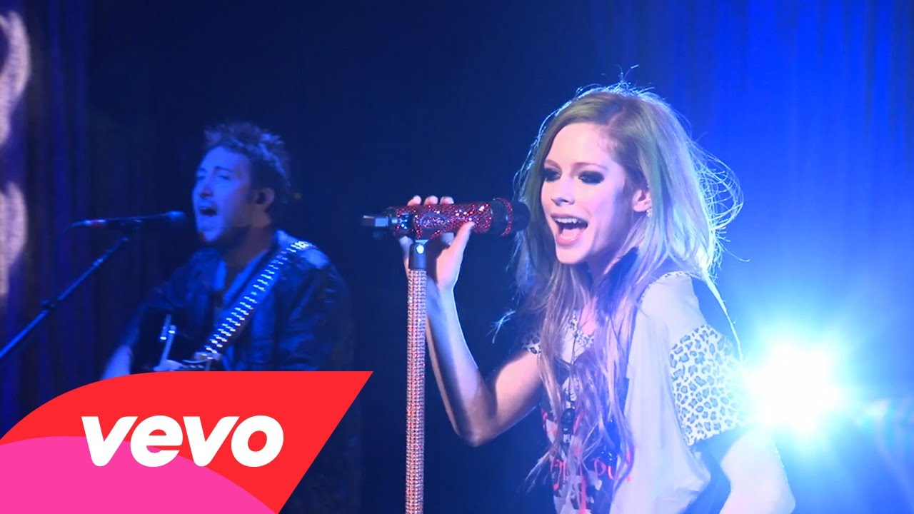 Avril Lavigne – What The Hell (AOL Sessions)