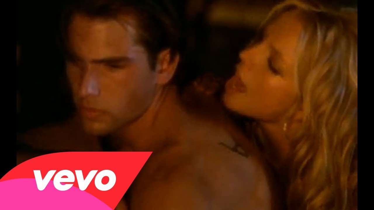 Britney Spears – Don't Let Me Be The Last To Know