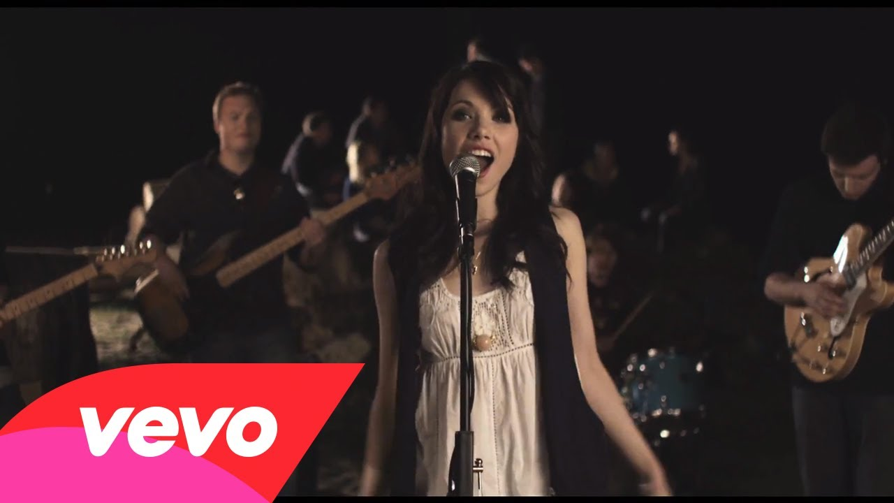 Carly Rae Jepsen – Bucket