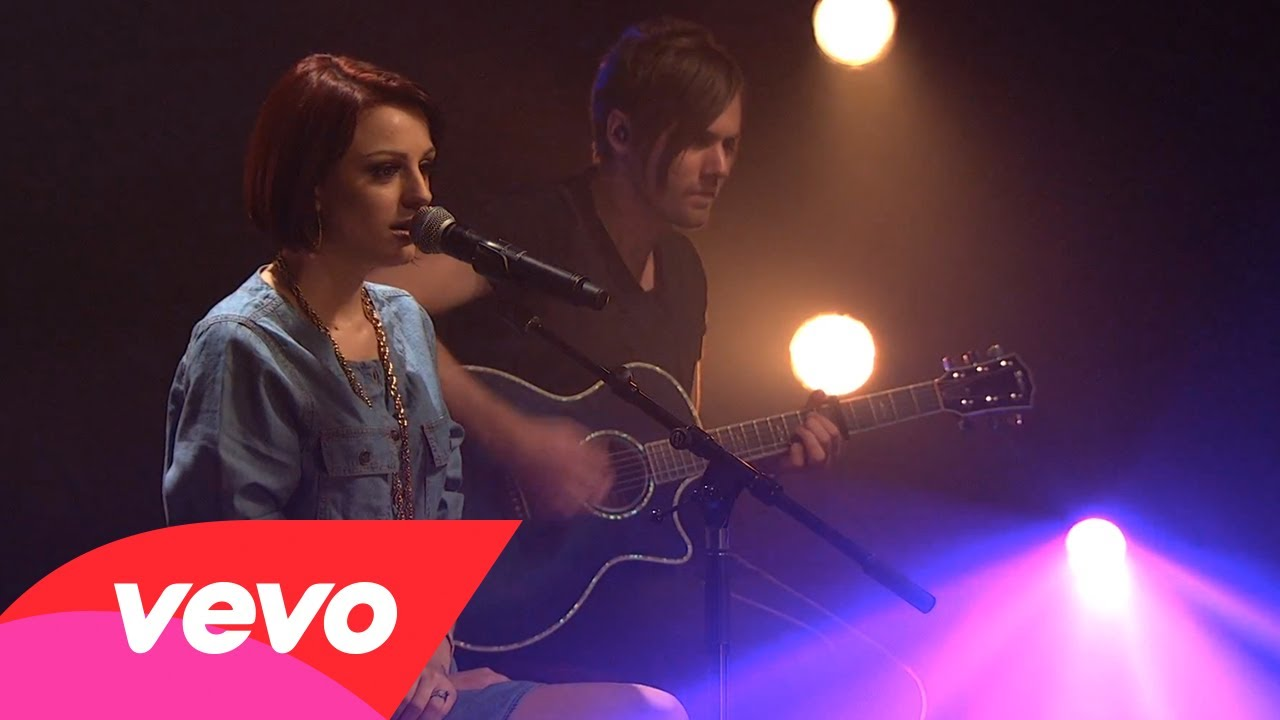 Cher Lloyd – Beautiful People (AOL Sessions)