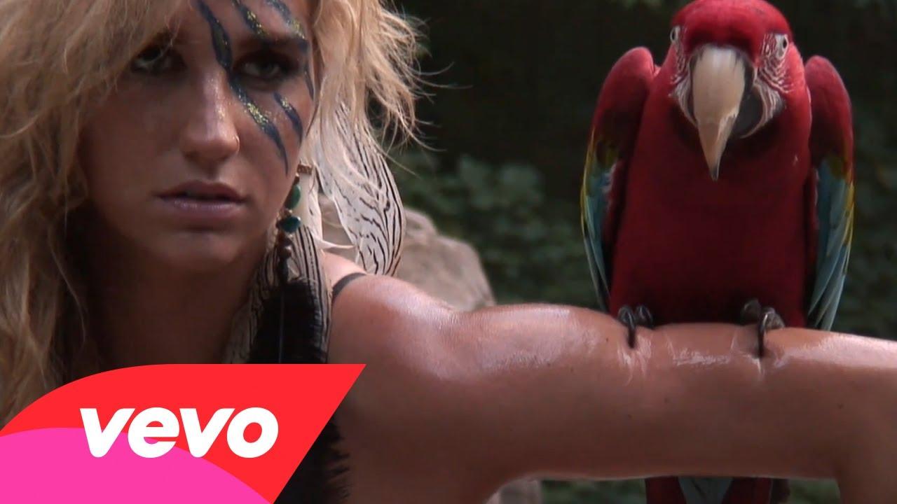 Ke$ha – Nashville Photo Shoot BTS