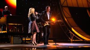 Kelly Clarkson – Don't Rush (CMA Awards Performance 2012)