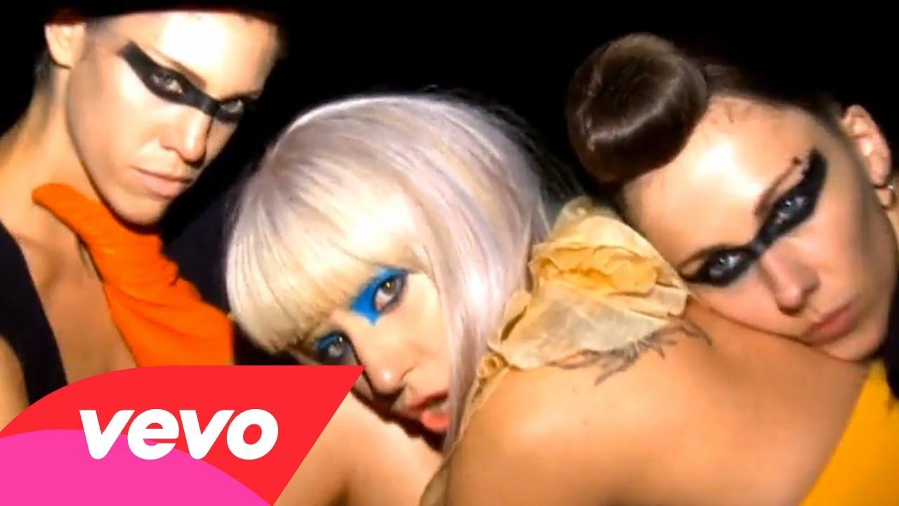 Lady Gaga – Beautiful, Dirty, Rich