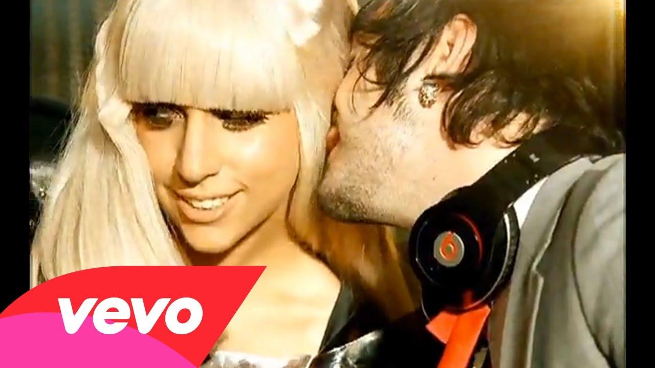 Lady GaGa – Poker Face