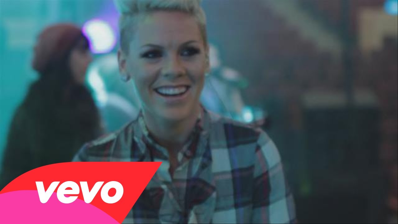 P!nk – The Truth About Tour (Sneak Peek)