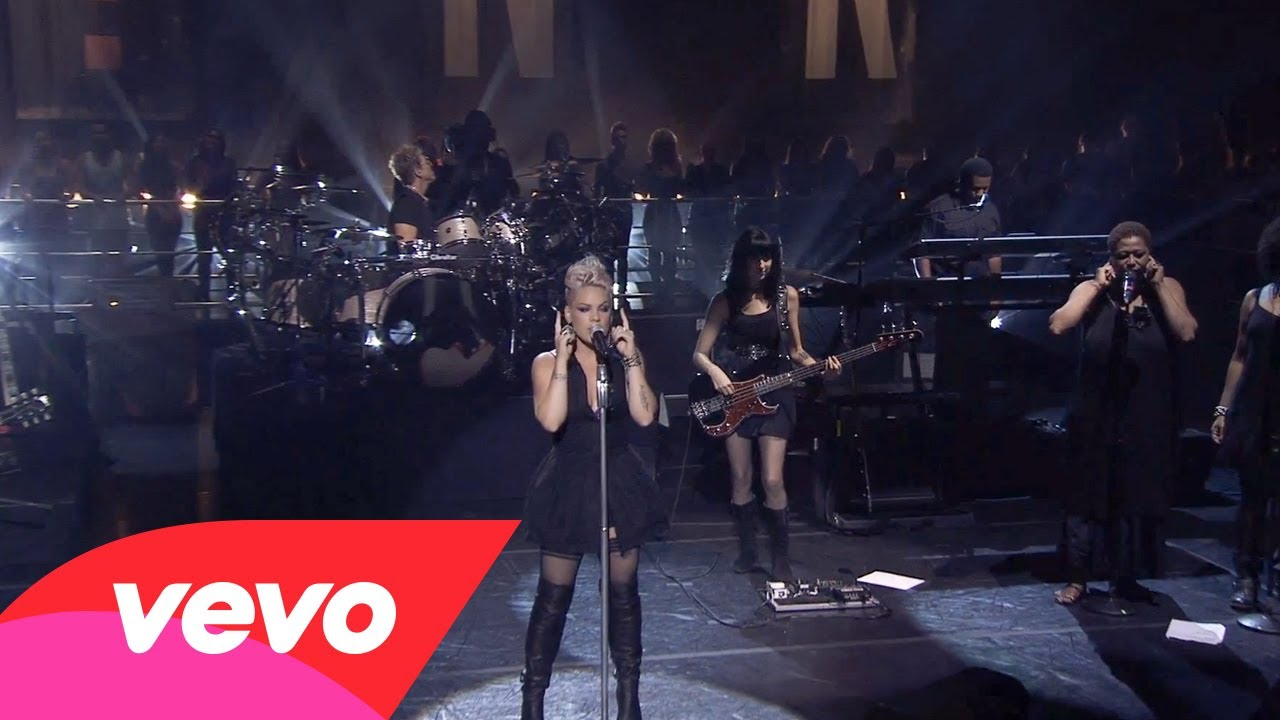 P!nk – Try (The Truth About Love – Live From Los Angeles)