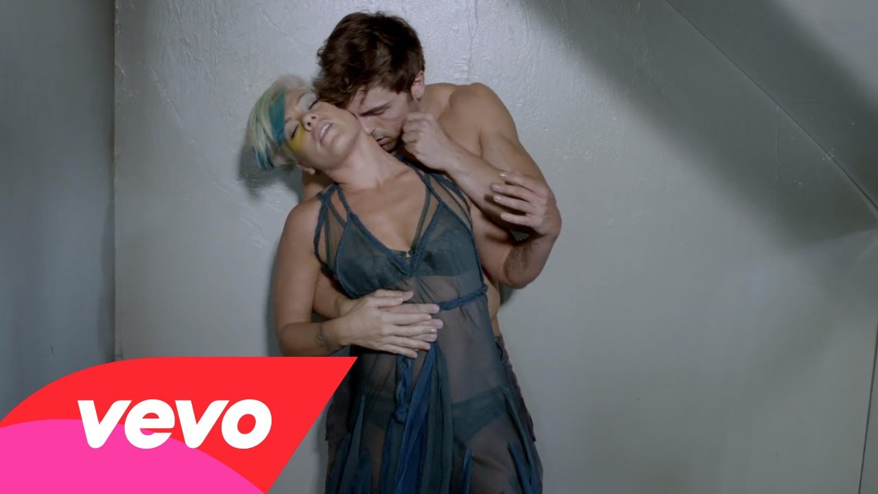 P!nk – Try