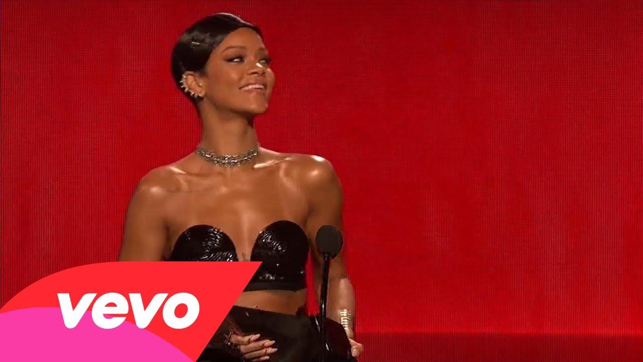 Rihanna – Favorite R&B/Soul Artist, Female (2013 AMAs)