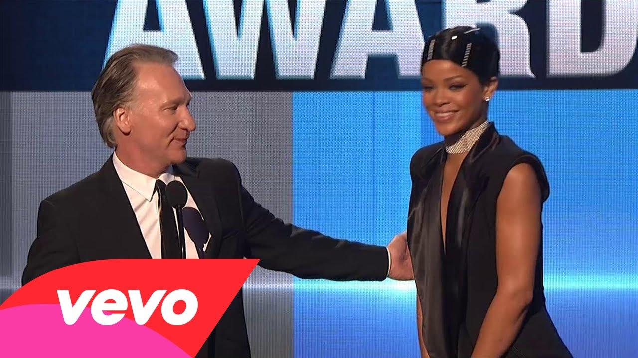 Rihanna – Icon Award (2013 AMAs)