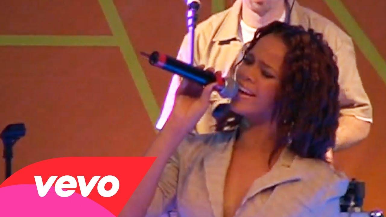 Rihanna – Let Me (MSN Video)