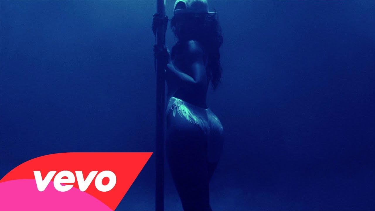 Rihanna – Pour It Up (Explicit)