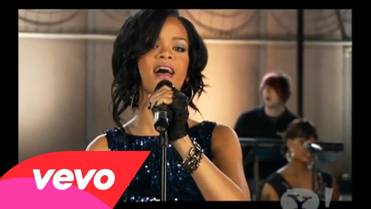 Rihanna – Umbrella (Pepsi Smash)