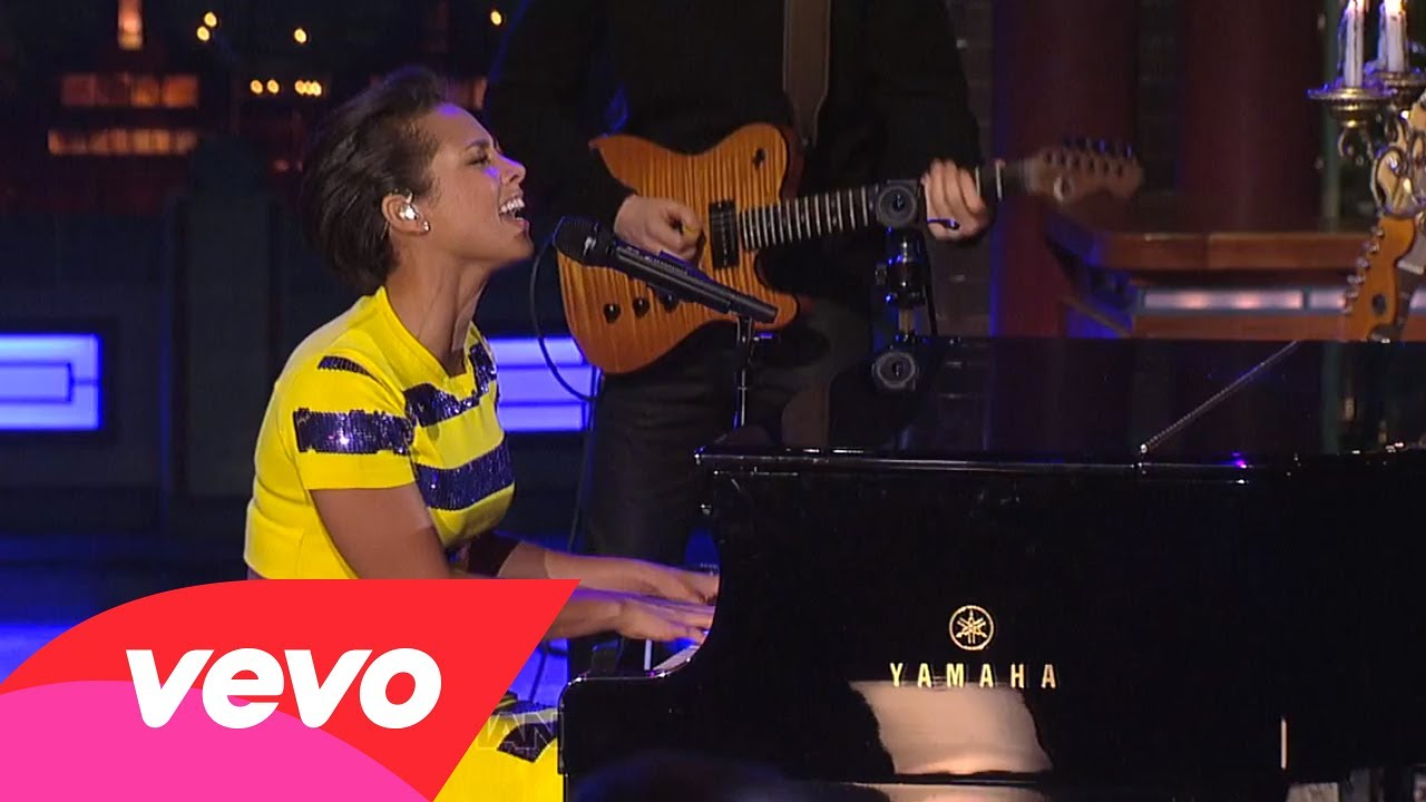 Try Sleeping With A Broken Heart (Live on Letterman)